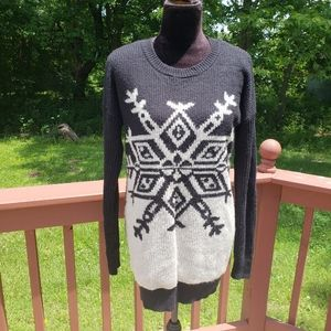 Ladies Mossimo Snowflake Pullover Sweater,…